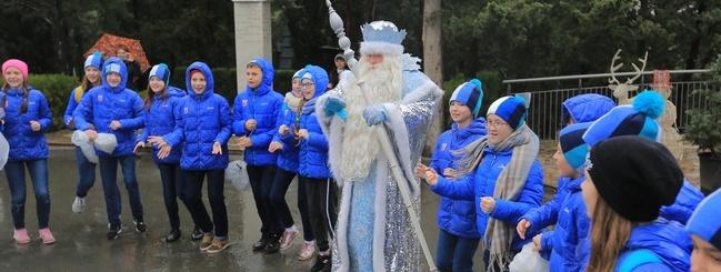 МДЦ «Артек» посетил главный волшебник страны – Дед Мороз из Великого Устюга